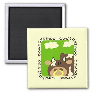La vaca dice las camisetas y los regalos del MOO Imán De Frigorifico