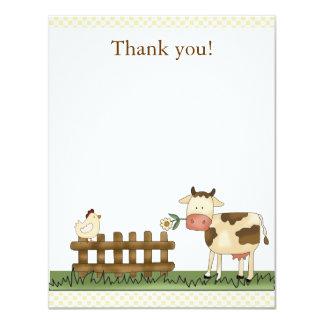 La vaca dulce casera de la granja le agradece anuncio personalizado