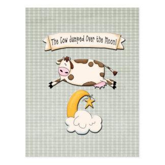 La vaca saltada sobre la luna postal