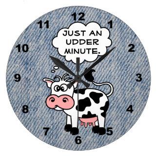La vaca tonta apenas un minuto de la ubre se desco reloj redondo grande