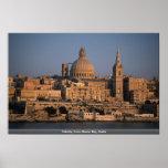 La Valeta, de la bahía de Sliema, Malta Poster