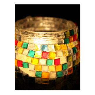 La vela en vidrio adornó el tarro tarjetas postales