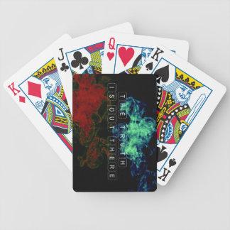 La verdad está hacia fuera allí las tarjetas baraja de cartas