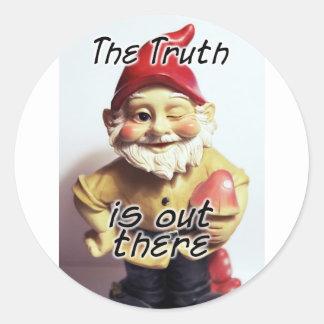 La verdad está hacia fuera allí pegatina redonda