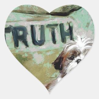 la verdad necesita flexibilidad pegatina en forma de corazón