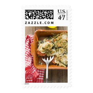 La verdura cuece con las patatas, tomates, puerros sello postal