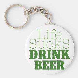 La vida chupa la cerveza de la bebida llaveros