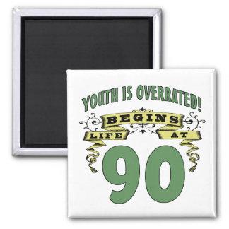 La vida comienza en el 90.o cumpleaños imán de frigorífico