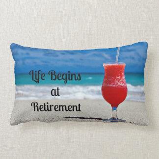 La vida comienza en el retiro--Bebida escarchada e Almohada