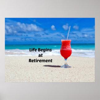 La vida comienza en el retiro, bebida escarchada e póster