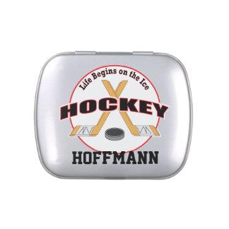 La vida del hockey comienza por el hielo con latas de caramelos