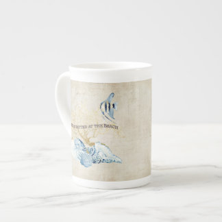 La vida del océano del añil es mejor en las taza de porcelana