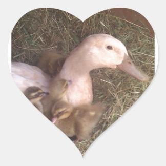 La vida es apenas ducky pegatina en forma de corazón