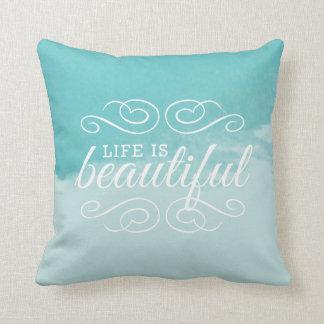 La vida es arte azul de la acuarela del trullo cojines