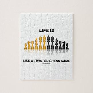 La vida es como un juego de ajedrez torcido (el rompecabeza con fotos