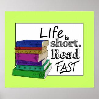 La vida es corta. Lea rápidamente Póster