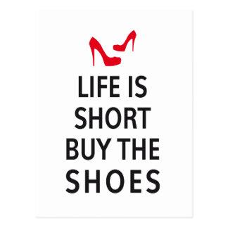 La vida es cortocircuito, compra los zapatos postal