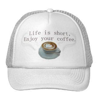La vida es cortocircuito, goza de su café gorro