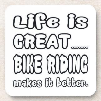 La vida es gran montar a caballo de la bici lo posavasos