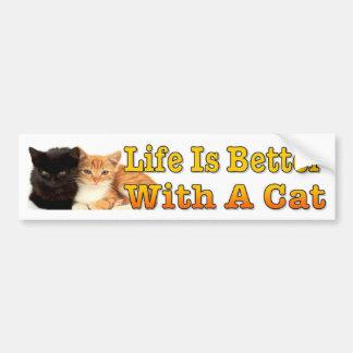 La vida es mejor con un gato con los gatitos pegatina para auto
