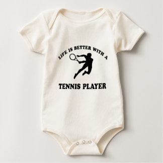 La vida es mejor con un jugador de tenis sobre mamelucos de bebé
