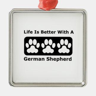 La vida es mejor con un pastor alemán adorno navideño cuadrado de metal