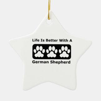 La vida es mejor con un pastor alemán adorno navideño de cerámica en forma de estrella