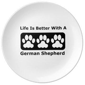 La vida es mejor con un pastor alemán platos de cerámica