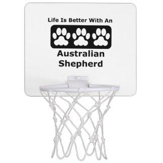 La vida es mejor con un pastor australiano minicanastas