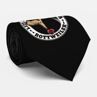 La vida es mejor con una raza del perro de corbata personalizada