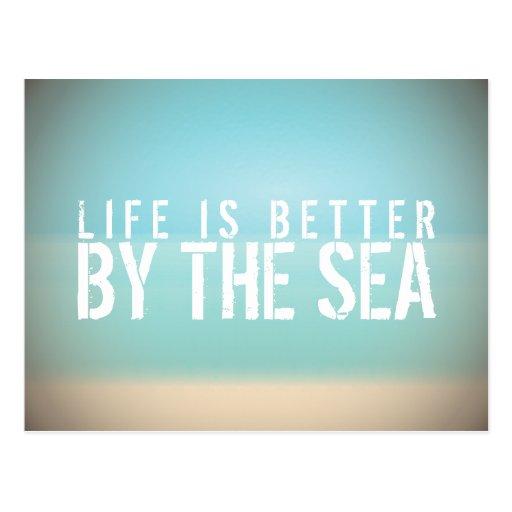 La vida es mejor por la postal del paisaje de la p
