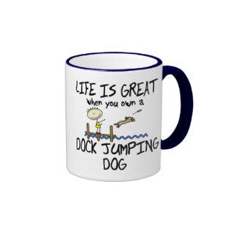 La vida es taza de salto del gran muelle