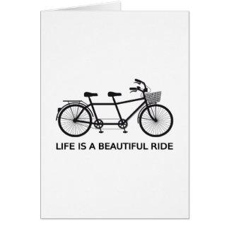 La vida es un paseo hermoso, bicicleta en tándem tarjeta de felicitación