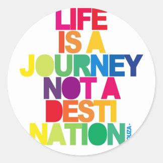 La vida es un viaje pegatina redonda