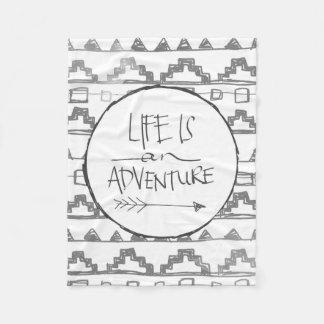 La vida es una aventura manta de forro polar