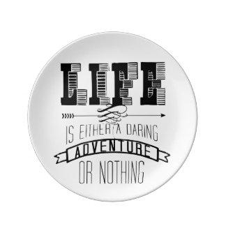 La vida es una aventura platos de cerámica
