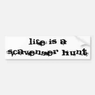 la vida es una búsqueda de objetos pegatina de parachoque