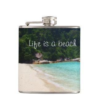 La vida es una playa petaca