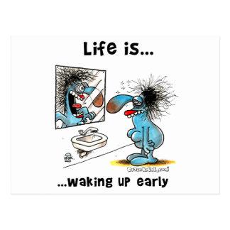 La vida está despertando temprano postal