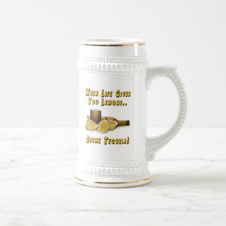 La vida le da los limones jarra de cerveza
