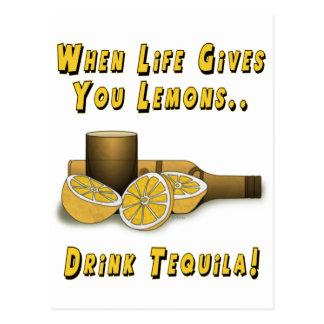 La vida le da los limones postales