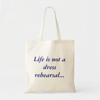 La vida no es un bolso del presupuesto del ensayo  bolsa de mano