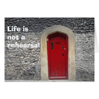 La vida no es una tarjeta del ensayo