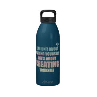 La vida no está sobre encontrarse cita botella de agua reutilizable