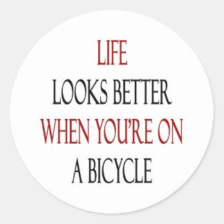 La vida parece mejor cuando usted está en una etiquetas redondas