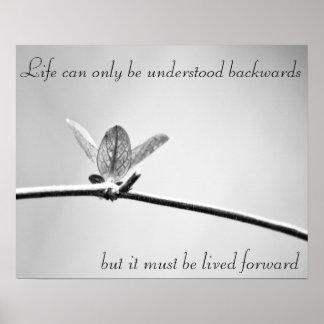 La vida se puede entender solamente al revés, posters