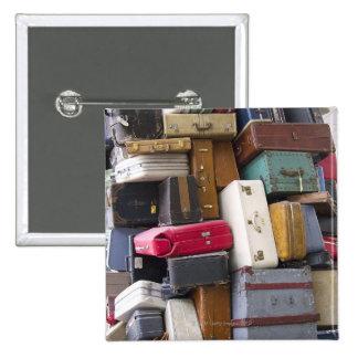 La vida tiene mucho equipaje 2 pin cuadrado