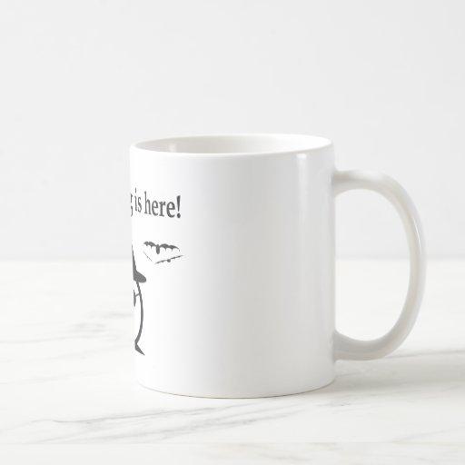 La vieja bruja vieja taza de café