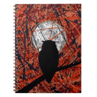 LA VIGILIA (no puede luchar el tema del búho del ~ Spiral Notebook