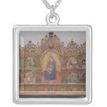 La Virgen y el niño con escenas legendarias Collares Personalizados